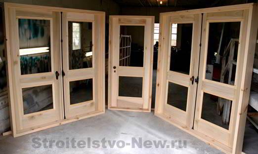 Дверной блок деревянный